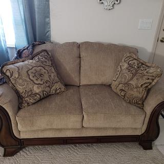 Really a very good, beautiful and Comey loveseat