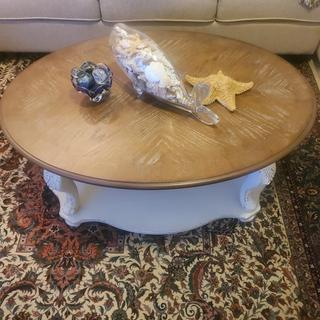 Really a very nice looking coffee table. Very solid. Well built. Beautiful finish.