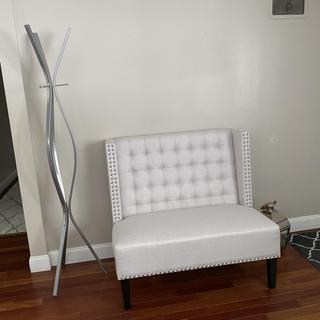 I love this bench!! I have it at my entryway...just waiting on my pillows to arrive!