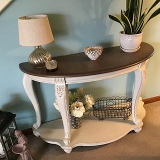 Tralyn sofa table