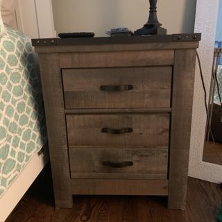 Nice, sturdy dresser