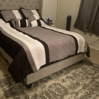 Jerary queen bed