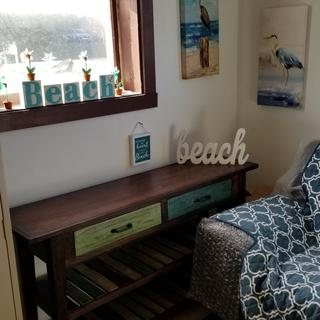 The sofa table is great for any beach home or beach theme at home. Love the colors on this product.