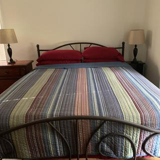 Excellent bed! Very pretty and steady. Very pleased with this purchase. Exceeds my expectations.