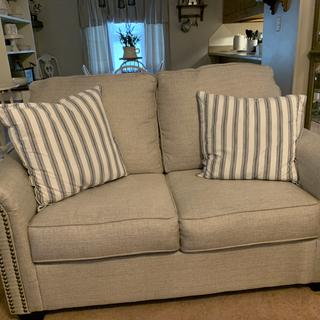 I changed the throw pillows to go with my farmhouse look