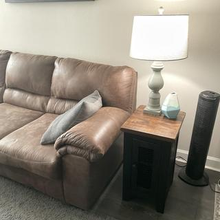 Bladen sectional with Valebeck end table