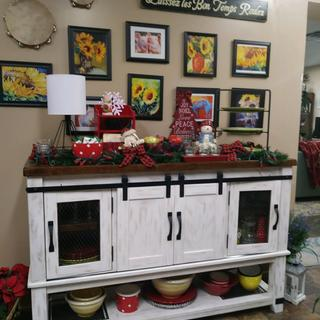 This buffet is absolutely perfect in size and look! I love it!