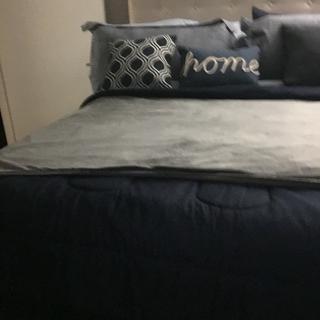 Loving my new blanket 👍🏾