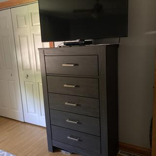 I have 2 chest of drawers and I love the color!! Beautiful set!!