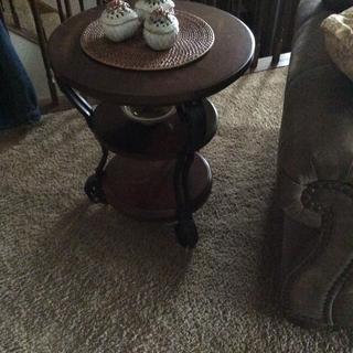 The chair side table