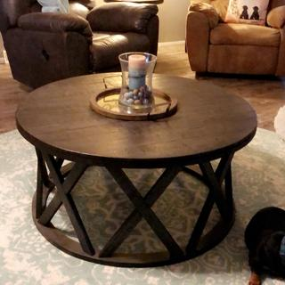 I absolutely love this table and the end tables that match.