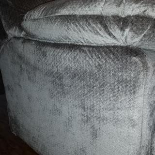 No pull tab on full size sofa