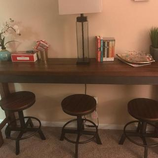The table was a must with these barstools