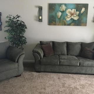 Our Beautiful living Set!!