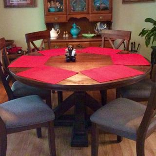 Windville dining room table set and two extra chairs