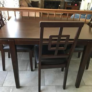 only need 3 chairs fits perfectly for the space.