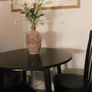 small space dining area table and chairs