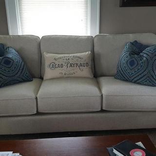 Harahan Sofa & pillows
