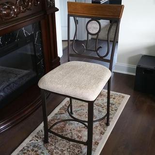 Assembled stool.