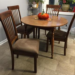 New chairs with table!