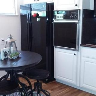 Cute little kitchen!