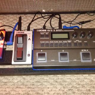 SPB-30 Guitar Pedal Board with GT-1 Multi Effects, Footswitch and loop pedal
