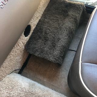Sub footstool