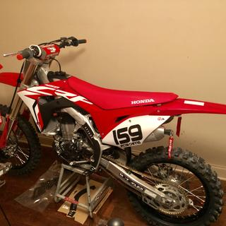 Looking good on brand new 2019 crf450r