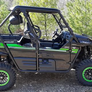 Painted the beed-locks grabber green to match the trim on the Teryx. I think the look good.