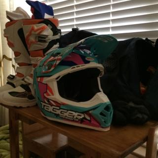 Bell Moto 9 Tagged Design Helmet, best helmet I have ever owned!