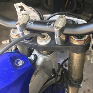 Tusk handlebars with tusk bar mounts