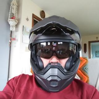 I like!  makes me look like ralph nator. I meen darth vader. I mean a fighter pilot.