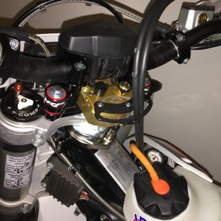 Clean Speed Steering Stabilizer Scotts Submount Cable Guide installed