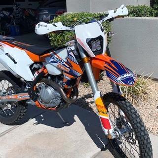 Now it looks like a KTM :)