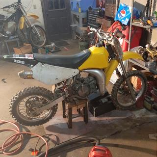 Working on the full exhaust love the silencer tho! Rebuilding the 93 rm 125 for me