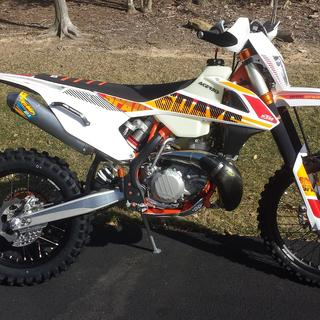 Acerbis 3.0-Gal Tank On '17 KTM 300 XCW - Right Side