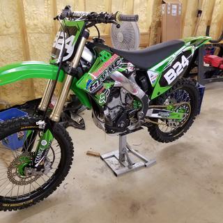 Gotta love them!  Even if you don't like the green bikes,...it looks Goooooood.