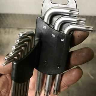 I have my set of tusk Torx wrenches in my grubby hand! Do you????