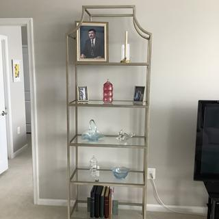 Just what I was looking for. My unit is small and now I can display favorite pieces.