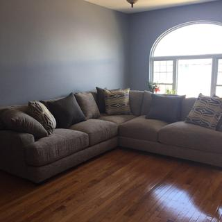 Love my new Leighton sectional. It's so comfortable; and fits perfectly in my new home ??