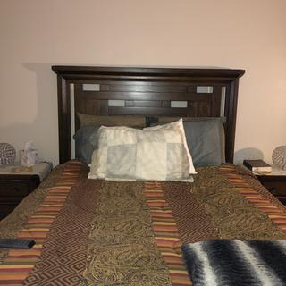 Acorn Hill Queen Bed