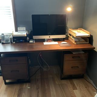 I am in love with this desk!!!!