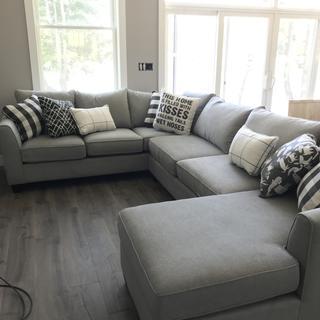 Terrific Daine 3 Pc Sectional Sofa Pebble Gray Raymour Flanigan Beatyapartments Chair Design Images Beatyapartmentscom