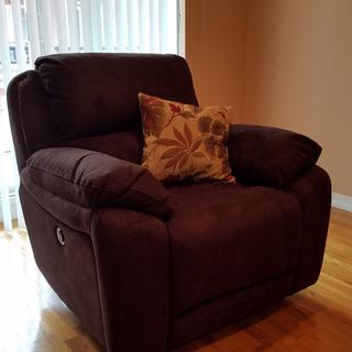 Marvelous Mackenzie Recliner!!