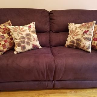 Magnificent Mackenzie Sofa!!