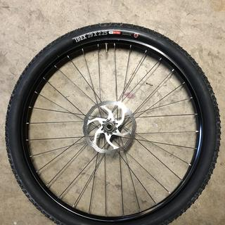 29 x 2.25 (57-622) tire mounted to 19 mm rim.