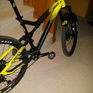 My Meta V4 with the Shimano DX pedals...