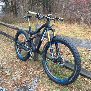 Renthal Fatbar Carbon topped off my Ibis Mojo 3