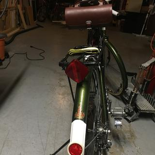 perfect accent for the original B17 Brooks saddle and restored Raleigh Record