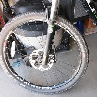 Front Tire Tubeless Stan's kit.  GT Sensor Elite.